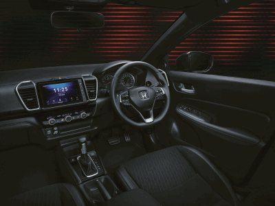 All-new-Honda-City_Console_Multi-function-Steering-Wheel-with-HFT.jpg